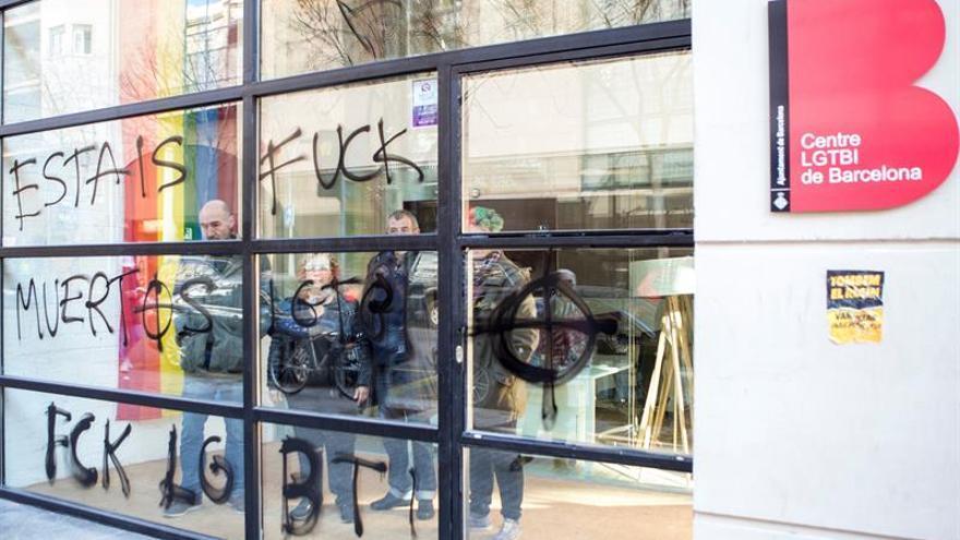 Atacan la sede del centro LGTBI de Barcelona, inaugurado hace una semana