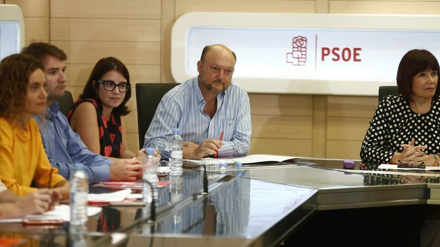 """Pradas denuncia que Verónica Pérez ha estado bajo escolta en Ferraz y pide no """"secuestrar"""" a la Comisión de Garantías"""