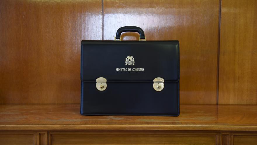 Cartera ministerial de Alberto Garzón, ministro de Consumo | Foto: FERNANDO SÁNCHEZ