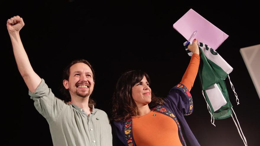 Pablo Iglesias y Teresa Rodríguez en el mitin de Sevilla.