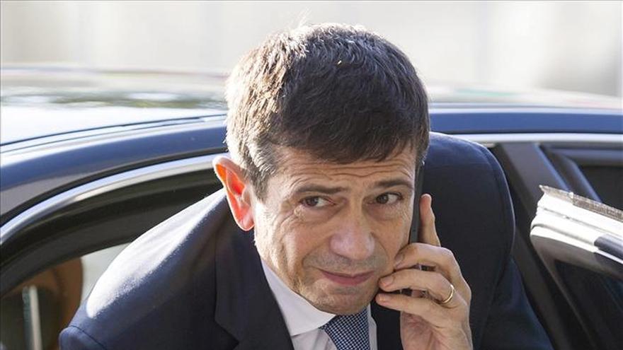 El ministro italiano de Obras Públicas dimite pero rechaza acusaciones de nepotismo
