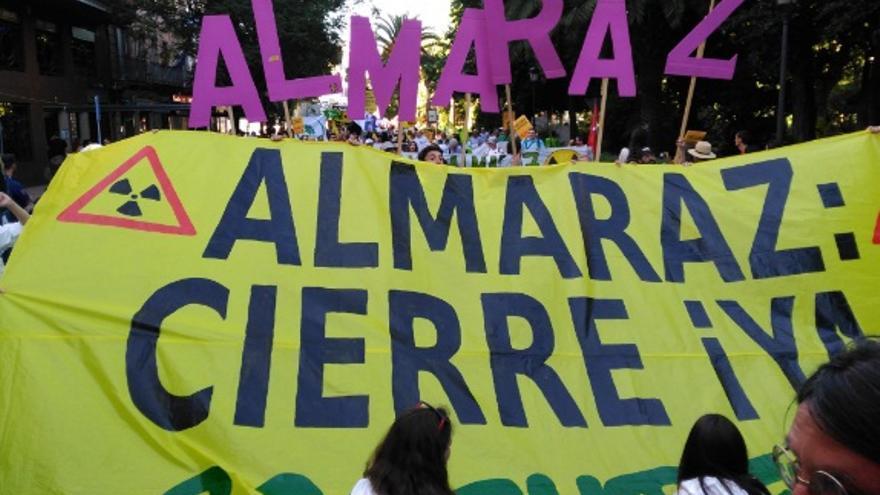Reclaman el cierre de las dos unidades de Almaraz cuando expire el permiso de explotación, en junio de 2020 / @jf_blanco