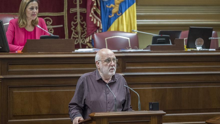 El diputado de Podemos Manuel Marrero, en una intervención en el Parlamento de Canarias
