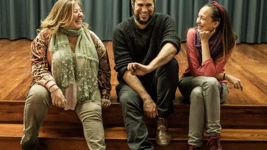 Charo González junto a Nayra Gómez e Iriome del Toro.