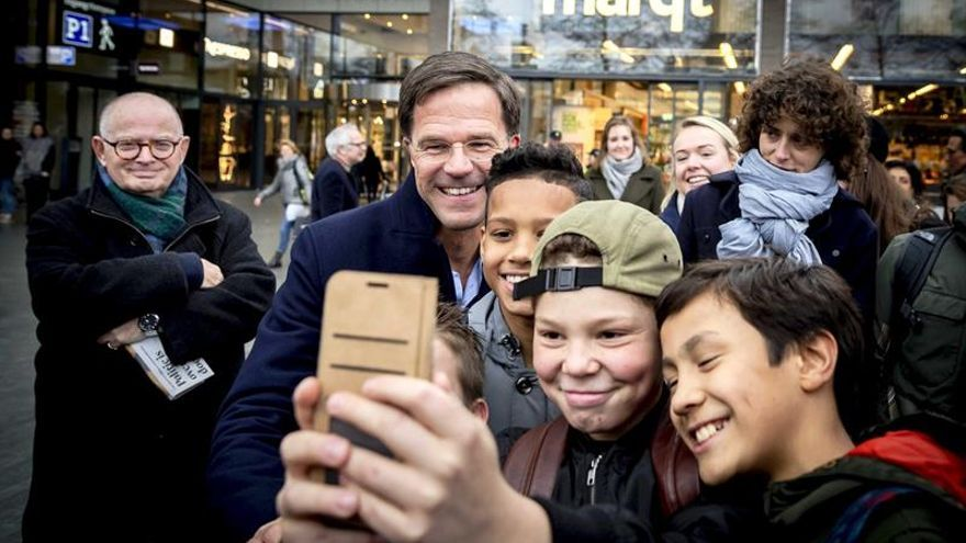 """Rutte destaca """"la oportunidad de parar la tendencia del populismo en Holanda"""""""