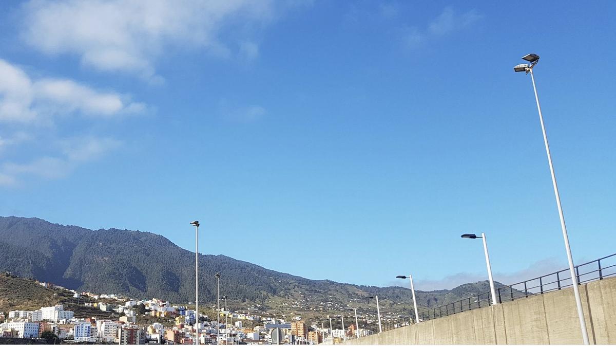 Poco nuboso en La Palma.
