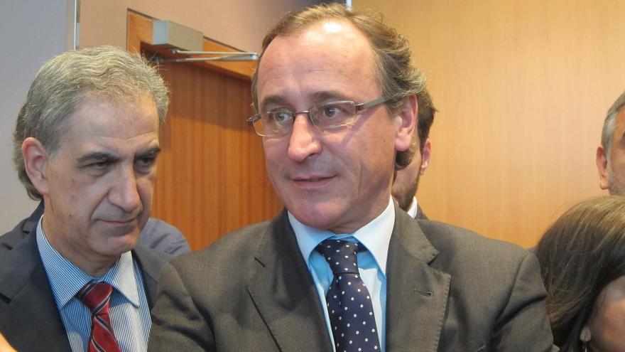 """El PP """"escuchará"""" la propuesta del PNV sobre un nuevo estatus vasco si no atenta contra la """"unidad de España"""""""