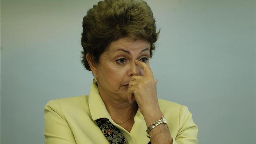 Rousseff admite deuda de 15.000 millones de dólares con la banca pública