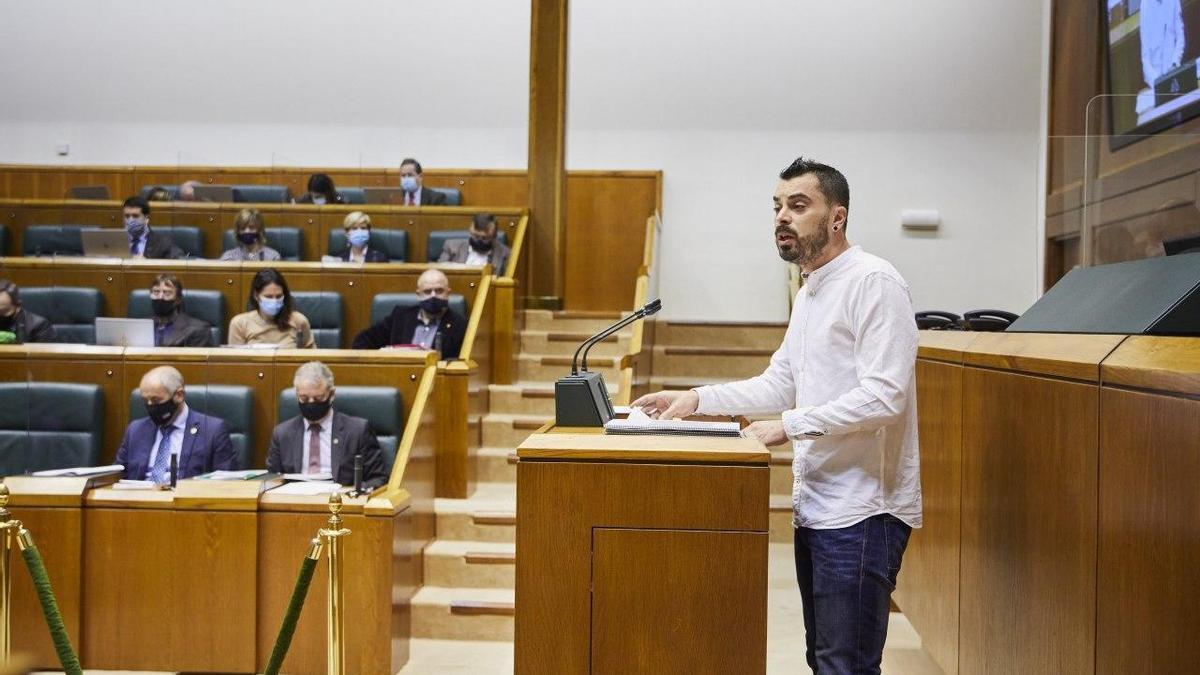 Ander Rodríguez (EH Bildu), en el Parlamento Vasco este jueves