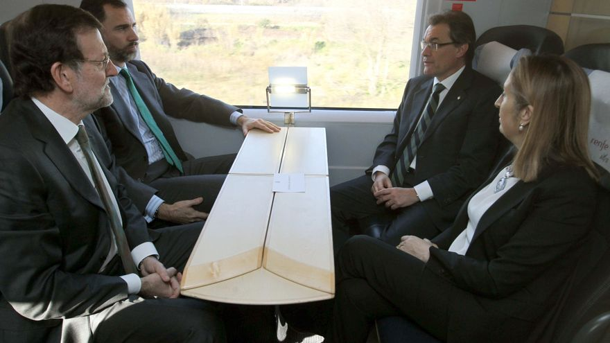 """Pastor destaca la capacidad """"cohesionadora"""" del tren en el estreno del tramo Barcelona-Figueres"""