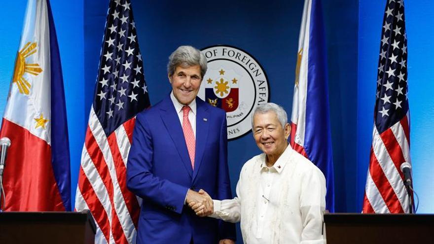 Kerry pide en Filipinas moderación en la disputa del mar de China Meridional