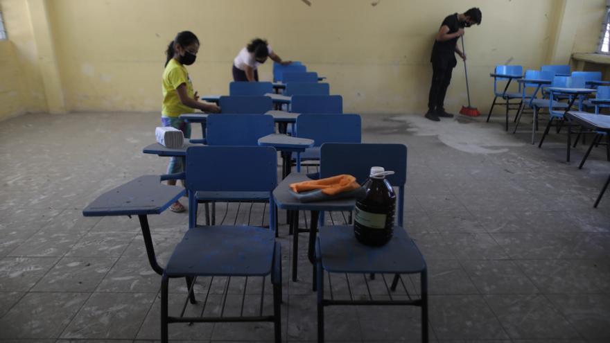 Ciudad de México alista contrarreloj las escuelas para el regreso a las aulas
