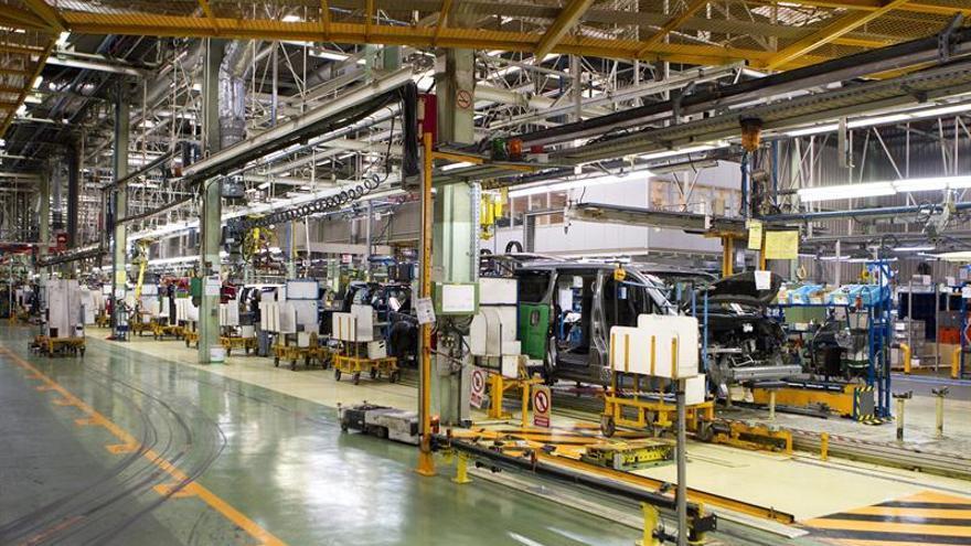 Los sindicatos de nissan alertan de la baja producci n en - Plantas bajas en barcelona ...