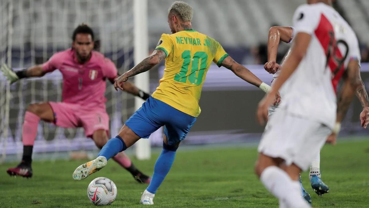 Una asistencia de Neymar hizo posible el único gol de Brasil para su victoria ante Perú.