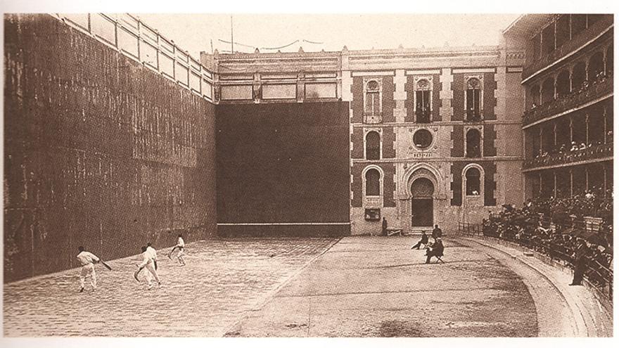 Un partido de pelota a finales del siglo XIX.