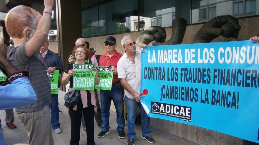 Una protesta organizada por Adicae en Valencia