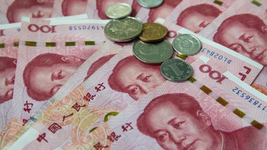 Trump extiende la guerra comercial con China a las divisas