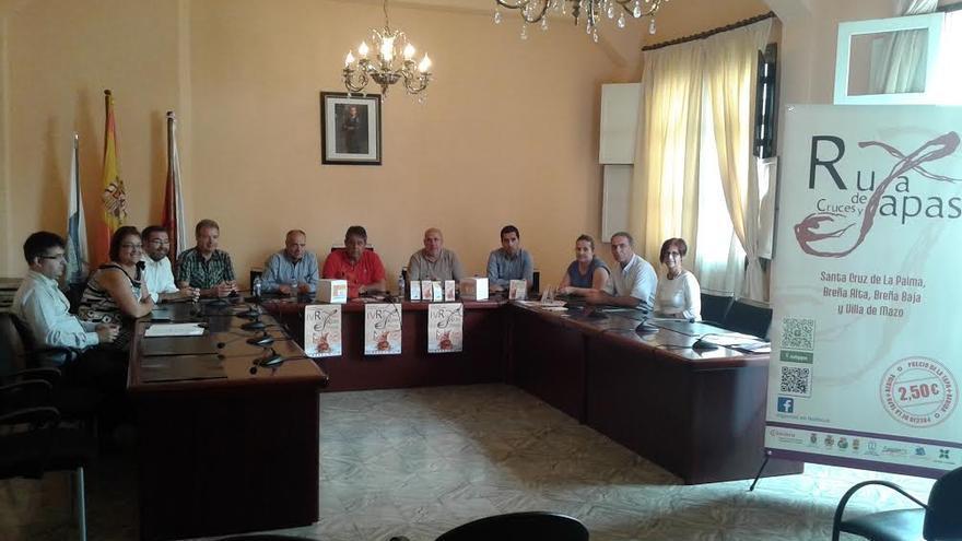 El Salón de Plenos del Ayuntamiento de Breña Alta ha acogido en este miércoles el sorteo de la bolsa de premios con los que la Ruta premia la fidelidad de los clientes.