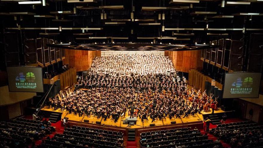 Cuatro generaciones de artistas celebran los 40 años del Sistema de Orquestas de Venezuela