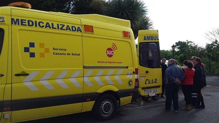 Ambulancia medicalizada del Servicio de Urgencias de Canarias.