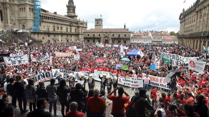 Final de la protesta en la Praza do Obradoiro de Santiago