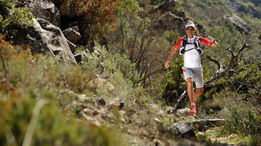 Imagen de archivo de Ryan Sandes en una carrera en Sudáfrica.