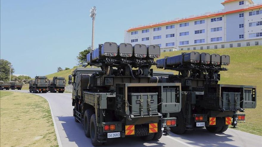 Japón quiere desplegar 500 militares cerca de las islas disputadas con China