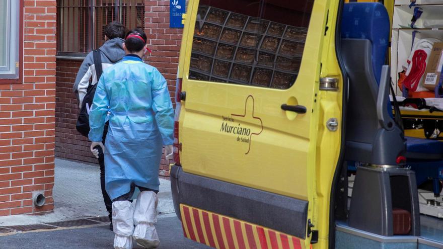 Cuatro fallecidos y 385 positivos por covid en Murcia en las últimas 24 horas