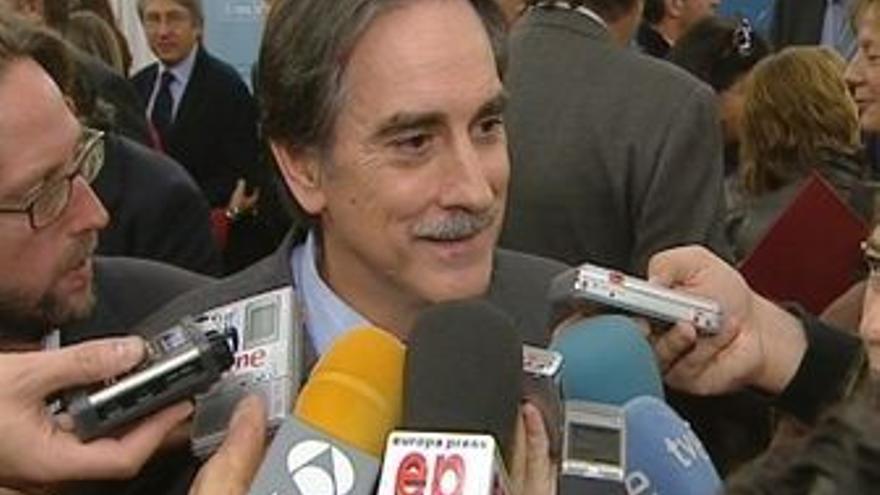 Valeriano Gómez.