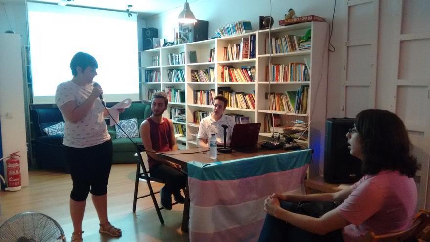 Charla transexualidad Toledo Entiende