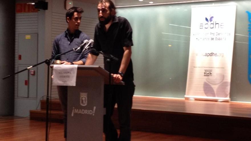 Los fotoperiodistas Manu Brabo y Guillem Valle, dos de los fundadores de la premiada Me-Mo Magazine / APDHE