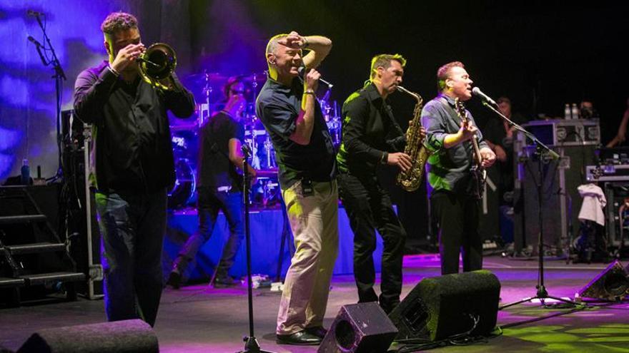 UB40 hizo bailar al público cartagenero con su reggae decimonónico