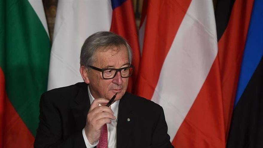 Juncker y Moedas dicen que ya existe una Europa a varias velocidades