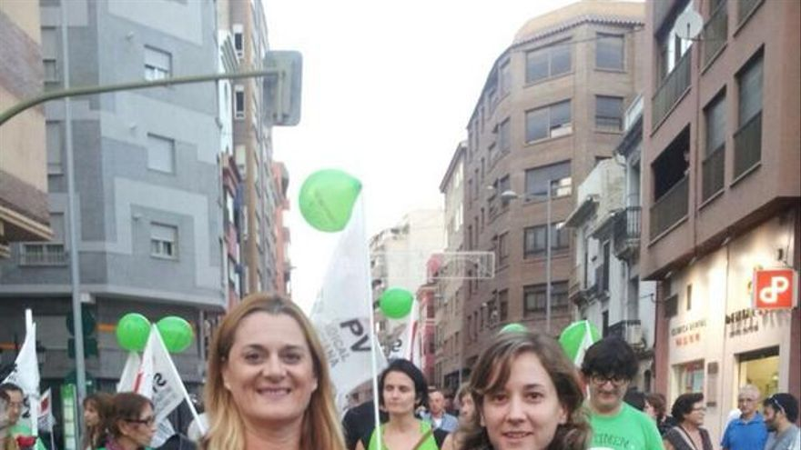 Fani Rubert y la eurodiputada Marina Albiol.