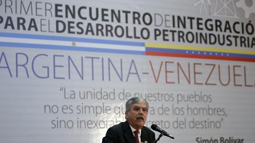 Piden llevar a juicio a exministro argentino por la compra irregular de trenes