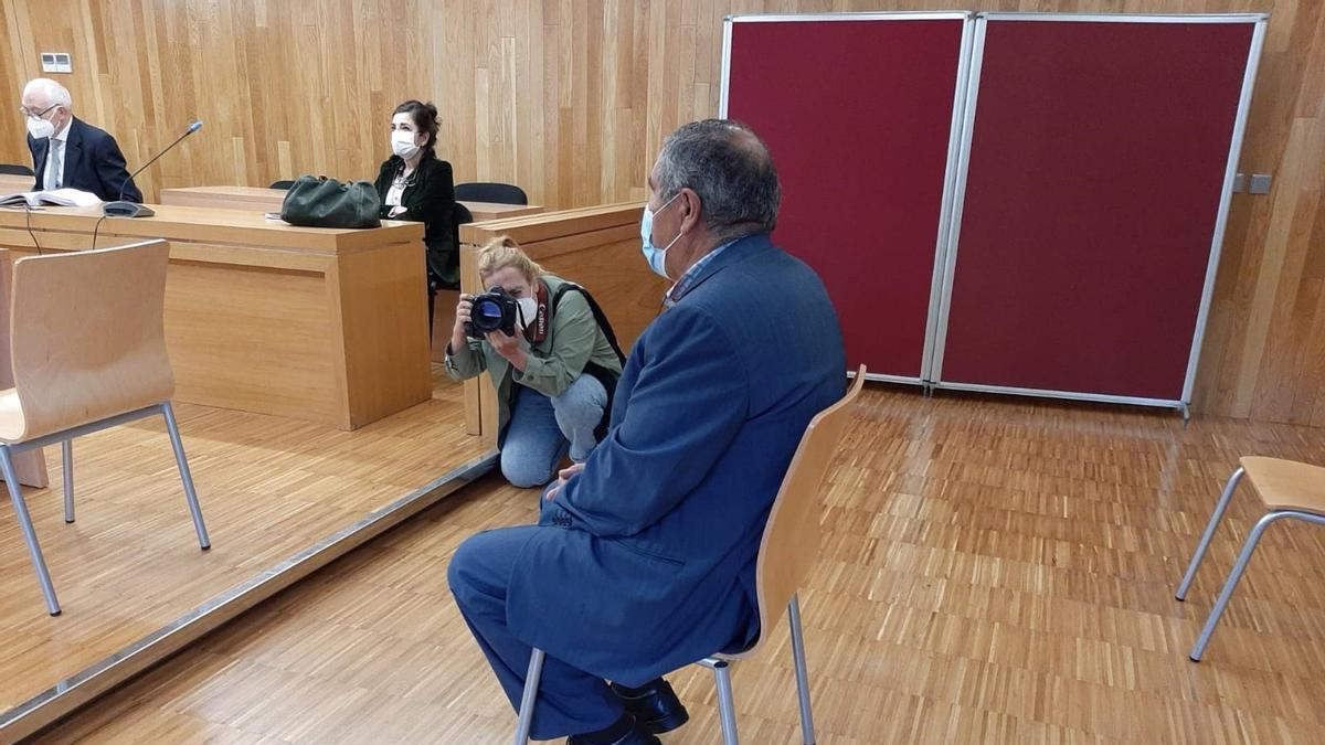 El exalcalde de Muras, Isaam Algnam Azzam, durante el juicio