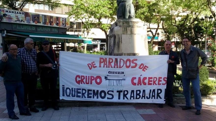 Grupo De Parados Y Paradas de Cáceres