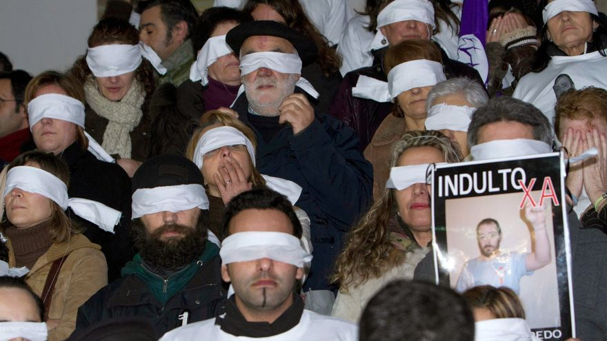El escritor Willy Uribe inicia 2013 en huelga de hambre por el indulto al gallego Reboredo