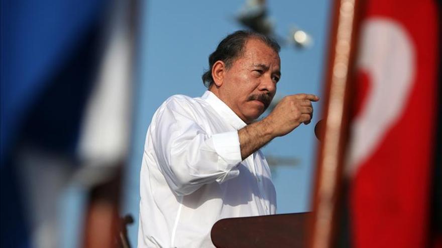 """El Ejército da """"total"""" respaldo a la reforma que permitiría la reelección de Ortega"""