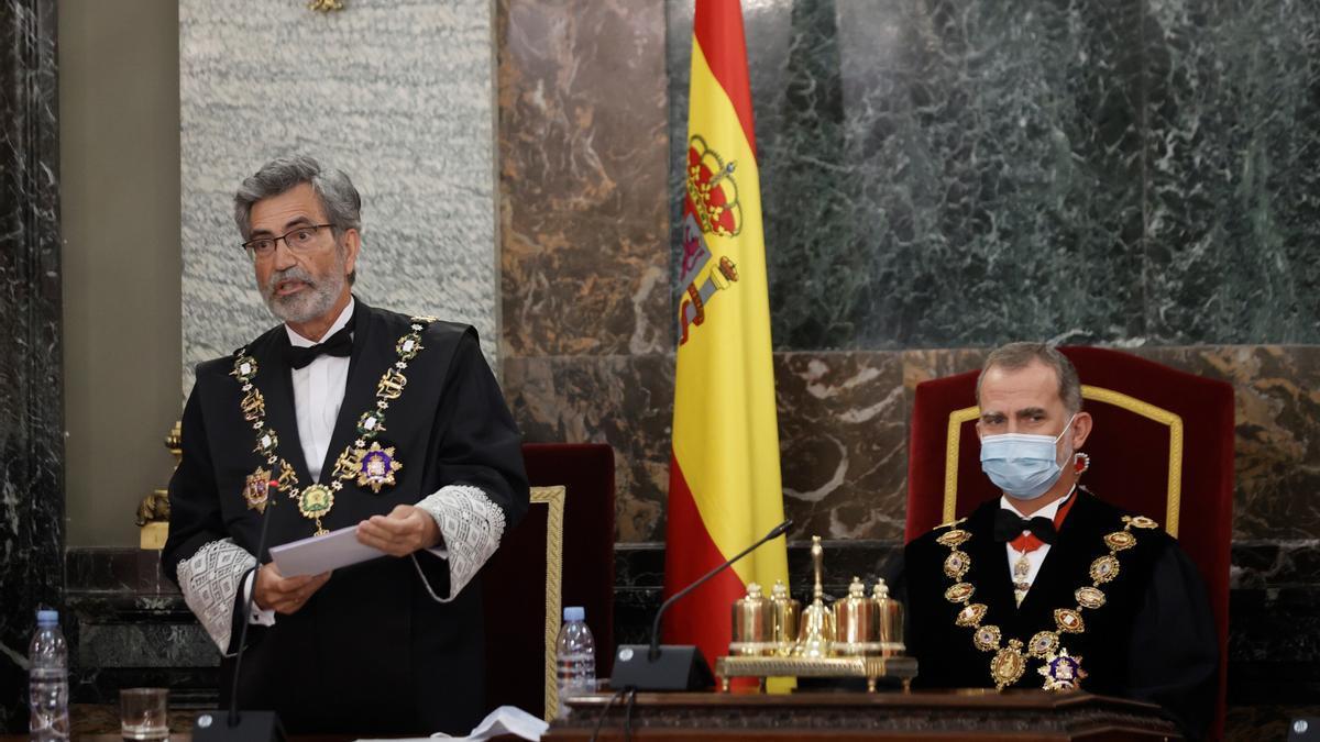 El presidente del CGPJ, Carlos Lesmes, junto al rey Felipe VI en la apertura del año judicial.