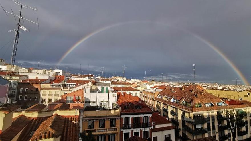 La Agencia Estatal de Meteorología (Aemet) prevé para hoy lunes precipitaciones localmente fuertes en Cataluña y Baleares.