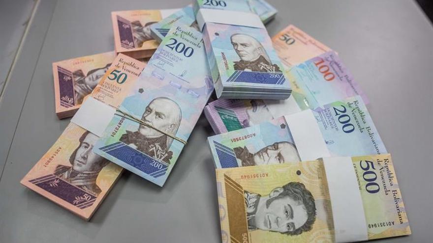 La economía venezolana se contrajo 50 % desde 2013, dice el Parlamento