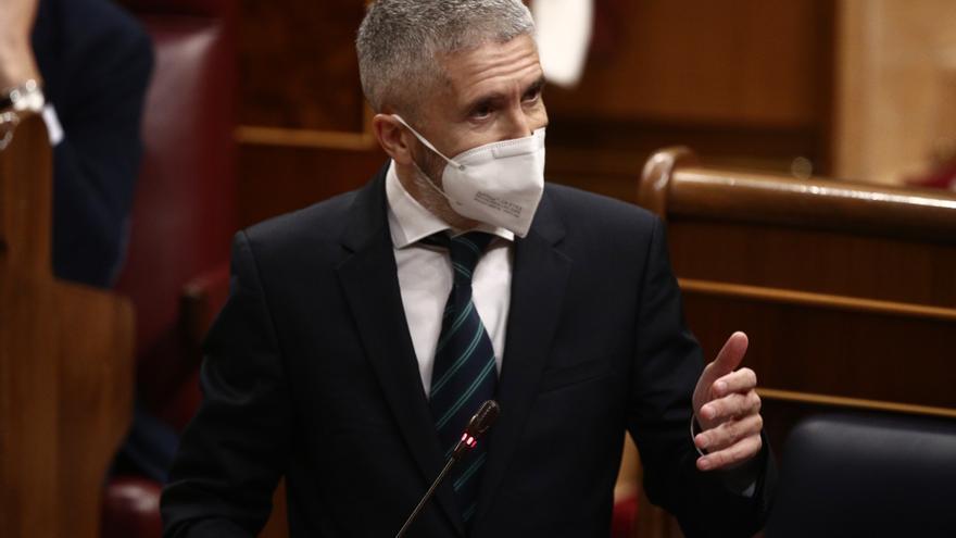 El ministro del Interior, Fernando Grande-Marlaska, interviene durante una sesión de Control al Gobierno en el Congreso de los Diputados, en Madrid, (España), a 17 de marzo de 2021. La oposición pregunta hoy al Gobierno sobre su gestión de la pandemia un