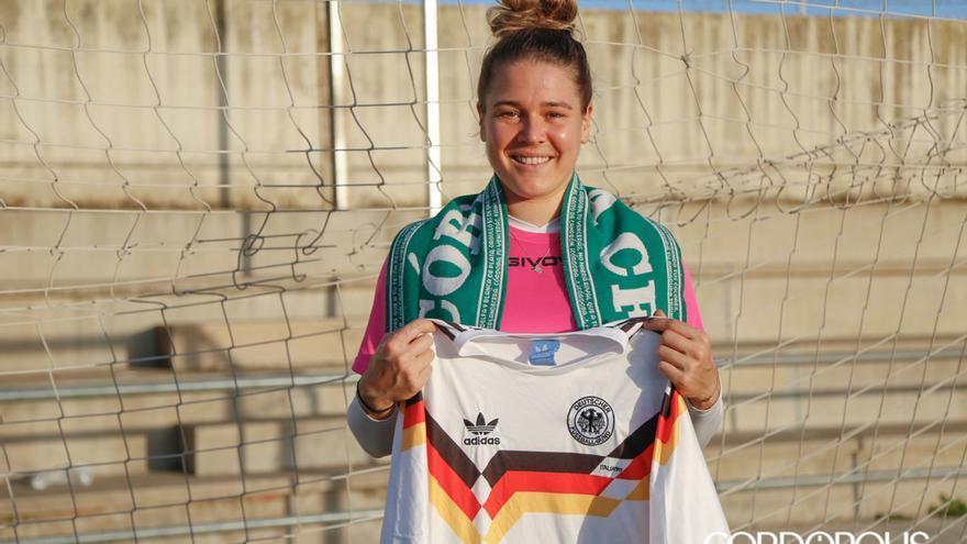 Lisa Scholz, en el campo de Miralbaida | ÁLEX GALLEGOS