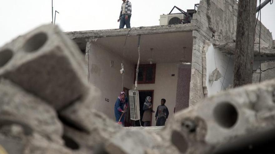 Al menos 10 muertos y más de 11 heridos por ataque aéreo en Alepo, según Observatorio Sirio