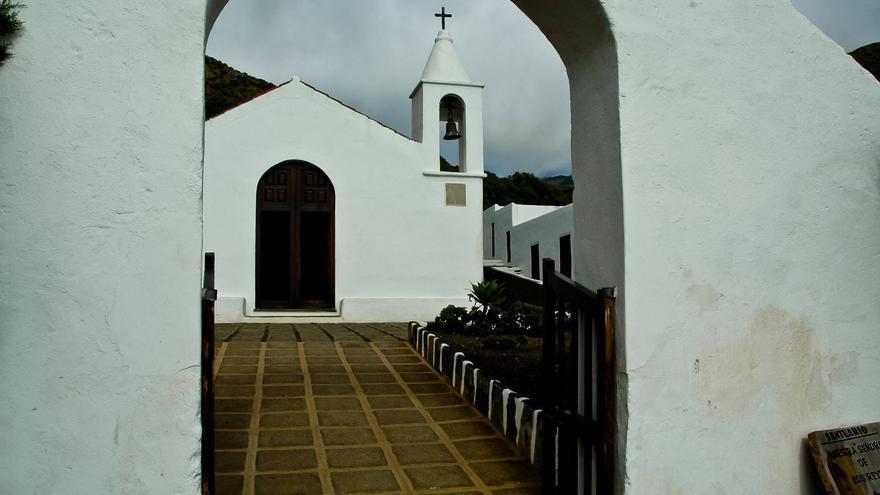 Ermita de Nuestra Señora de Los Reyes, punto de entrada al paraje de La Dehesa, en El Hierro.