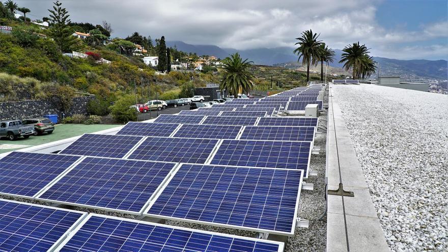 Instalación de energía solar fotovoltaica para autoconsumo del Centro de Astrofísica de La Palma (CALP) en Breña Baja.