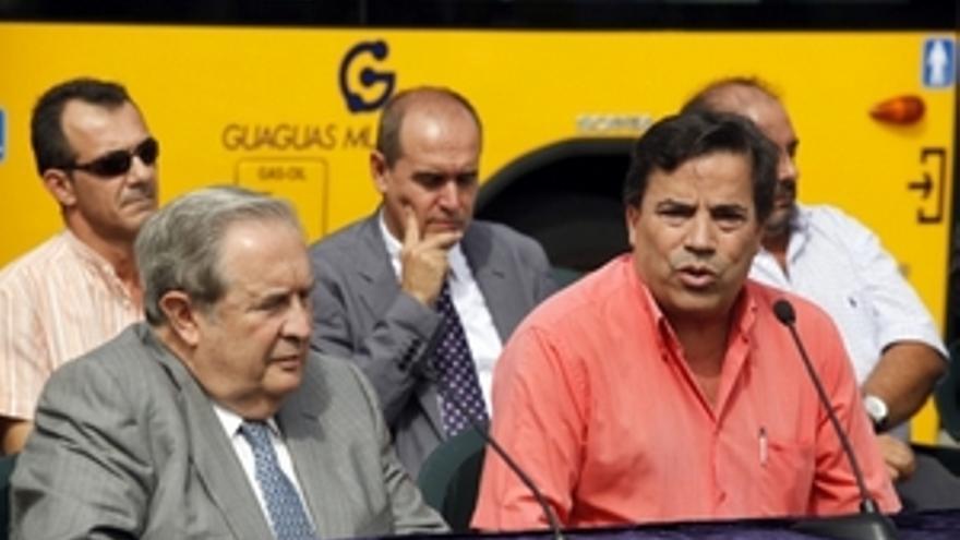 Jerónimo Saavedra explica la paralización de la privatización de Guaguas Municipales.