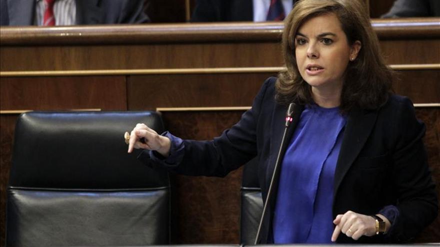 Sáenz de Santamaría dice que el Gobierno cumplirá su obligación; no habrá referéndum