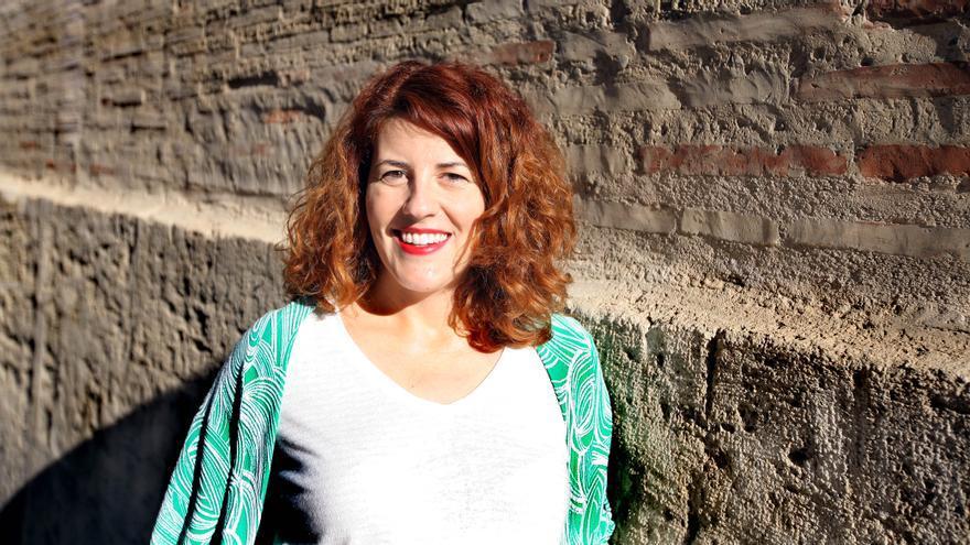 """Margarida Castellano va guanyar el Premi Octubre d'Assaig """"Joan Fuster"""" el 2017 amb el seu treball Les altres catalanes. Memòria, identitat i autobiografia en la literatura d'immigració."""